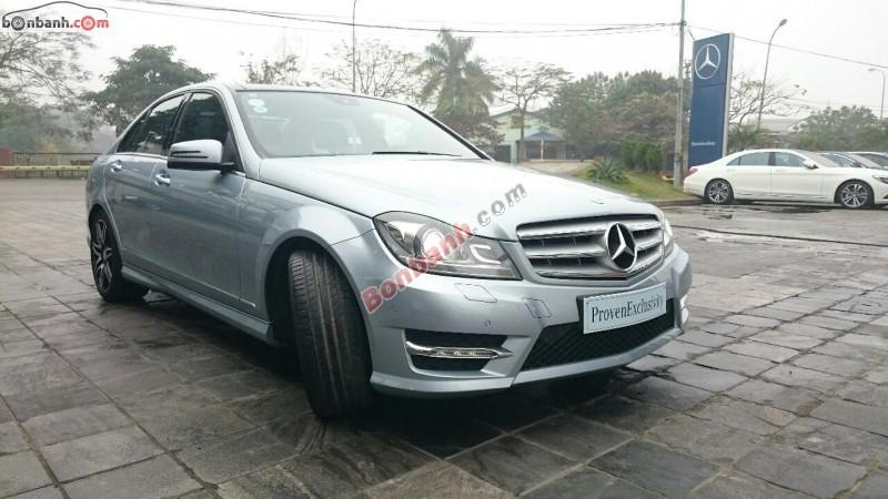 Bán xe Mercedes C300 AMG Plus đời 2013. Xe đứng tên công ty, hóa đơn xuất đủ 100%