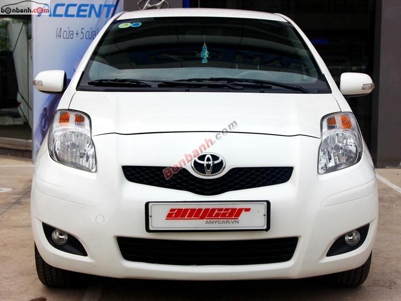Bán Toyota Yaris 1.5AT đời 2012, màu trắng, xe nhập