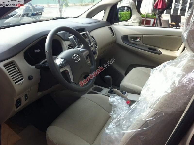Bán xe Toyota Innova 2.0G sản xuất 2015 - LH ngay 0904 451 520