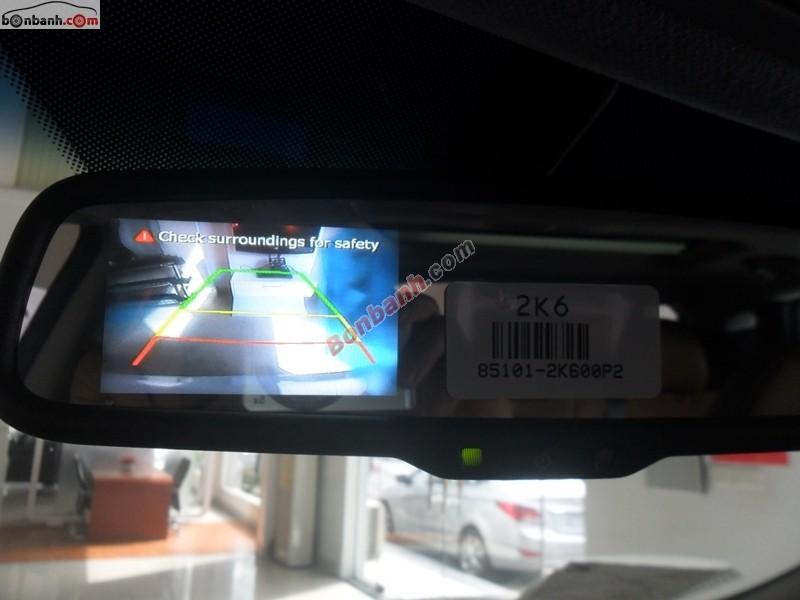 Cần bán Hyundai Tucson 2.0 AT năm 2015, màu trắng, xe nhập, giá 918tr