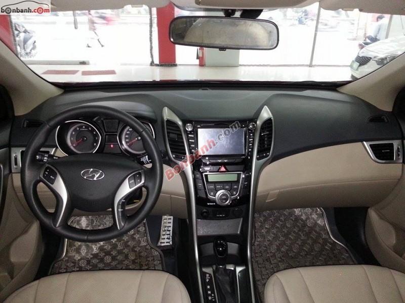 Cần bán Hyundai i30 sản xuất 2013, màu đỏ, xe nhập đẹp như mới