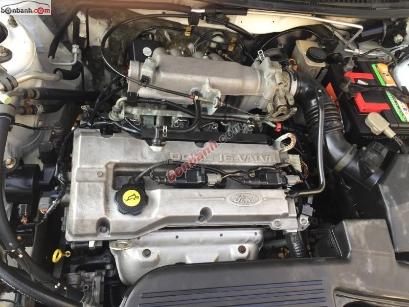 Bán Ford Laser sản xuất 2002, màu trắng, xe gia đình