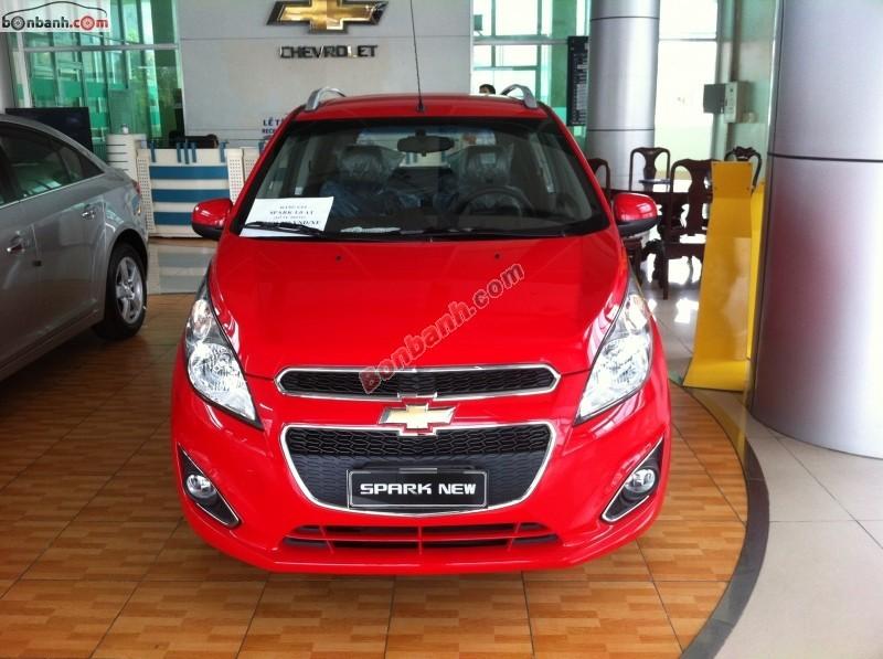 Bán xe Chevrolet Spark 1.0 AT đời 2015, màu đỏ