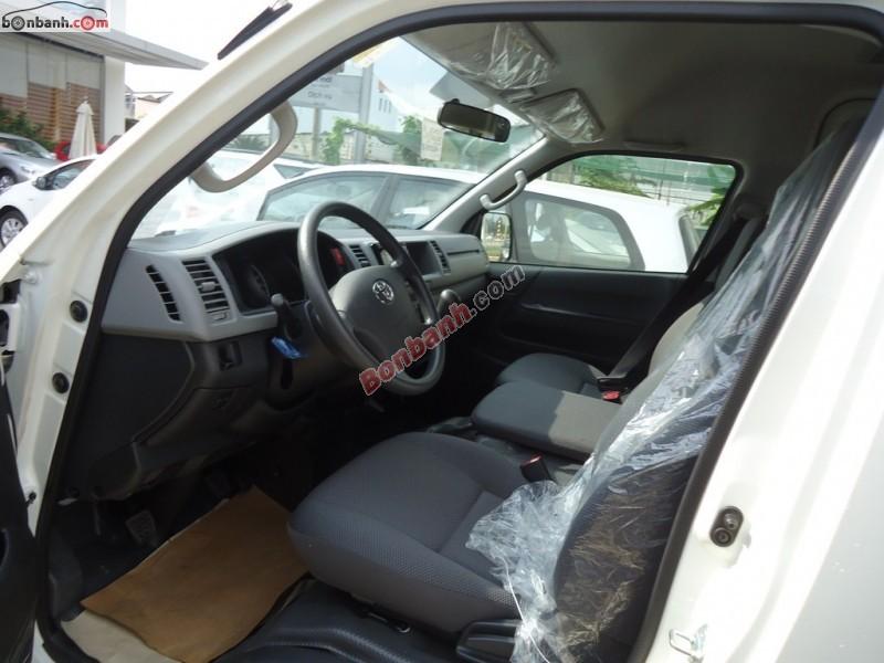 Bán Toyota Hiace Gasoline đời 2015, màu trắng, nhập khẩu chính hãng