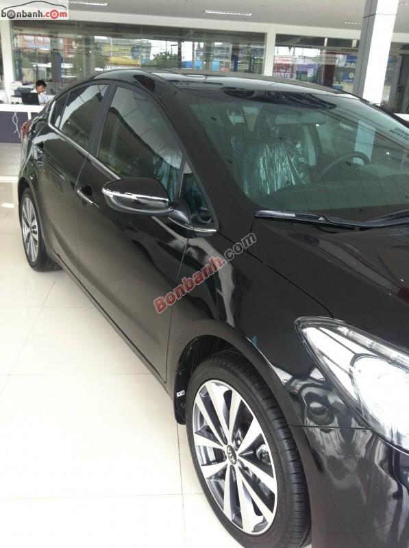 Cần bán xe Kia K3 2.0 AT đời 2015, màu đen tại Kia Cầu Diễn