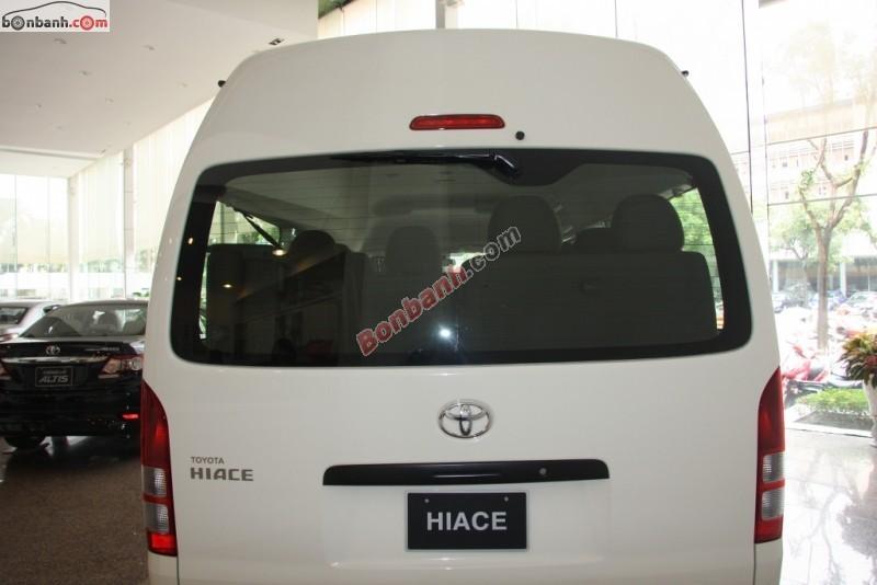 Bán ô tô Toyota Hiace Diesel đời 2015, màu trắng, nhập từ Nhật