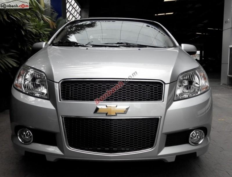 Bán ô tô Chevrolet Aveo LT đời 2015, màu bạc, giá 447Tr