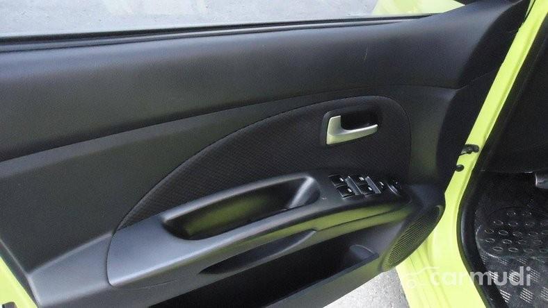Xe Kia Morning 2009 cũ màu xanh lá cây đang được bán với giá 358tr