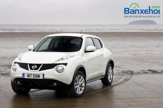 Bán xe Nissan Juke đời 2015, màu trắng, xe nhập, mạnh mẽ và nhanh nhẹn