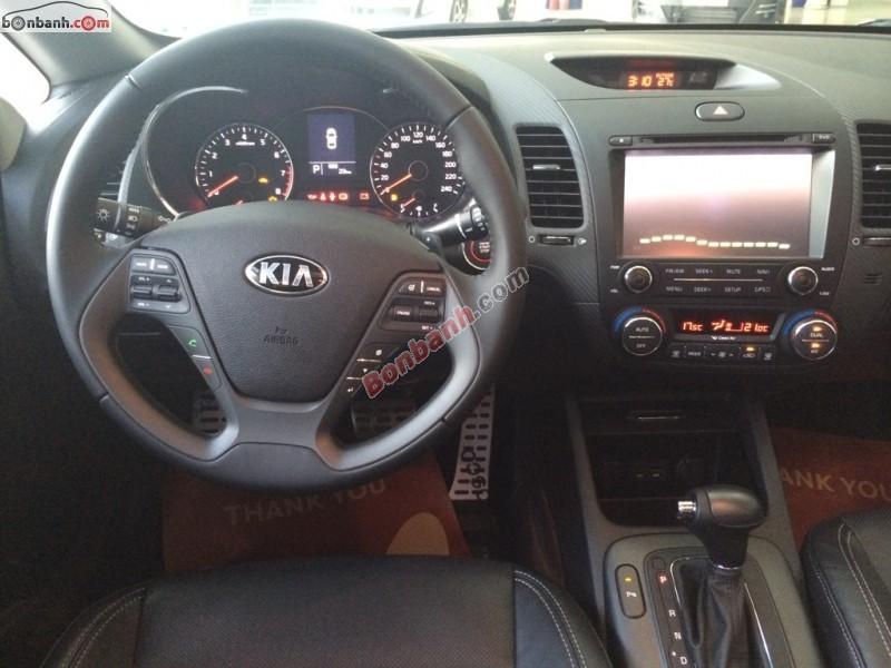 Cần bán Kia K3 2.0 AT năm 2015, màu trắng, giá 705Tr