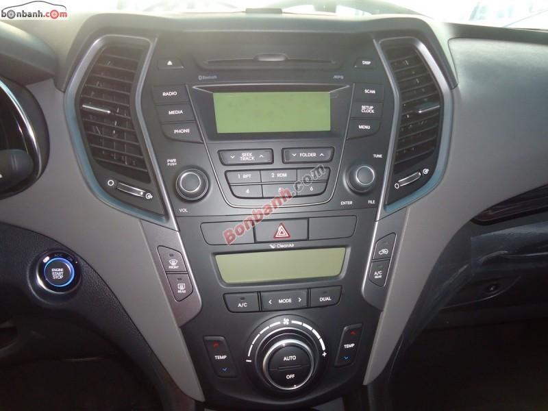 Bán ô tô Hyundai Santa Fe 2.2 CRDi đời 2015, màu bạc nhanh tay LH