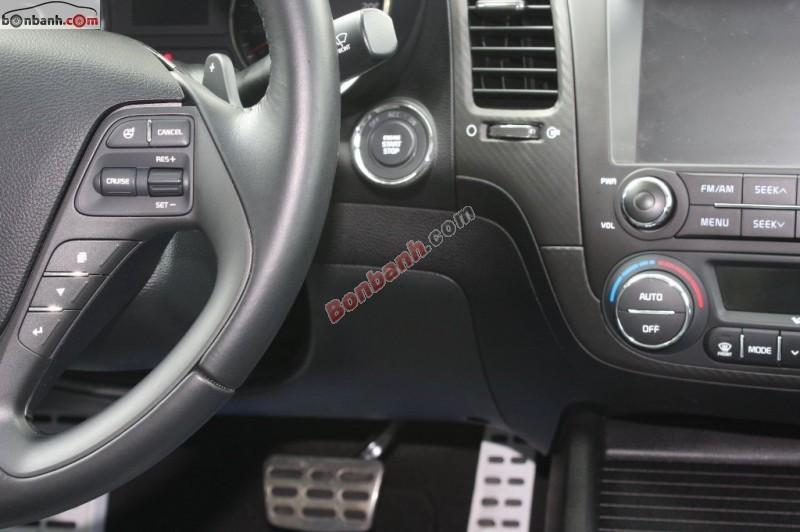 Xe Kia K3 1.6 AT đời 2014, màu trắng số tự động