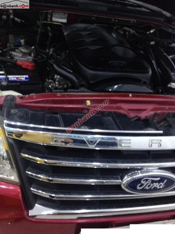 Bán Ford Everest MT đời 2009, màu đỏ, xe gia đình
