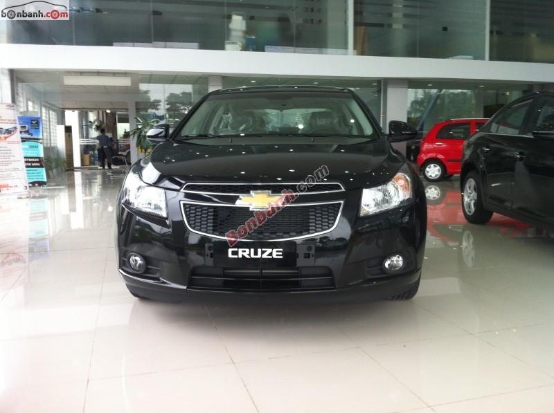 Bán Chevrolet Cruze LS đời 2015, màu đen - LH ngay 0914 760 670
