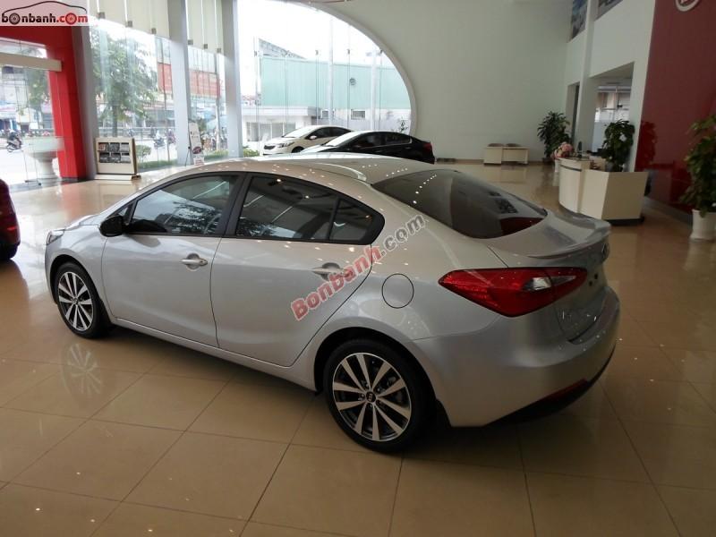 Cần bán xe Kia K3 1.6MT đời 2015, màu bạc tại Kia Giải Phóng