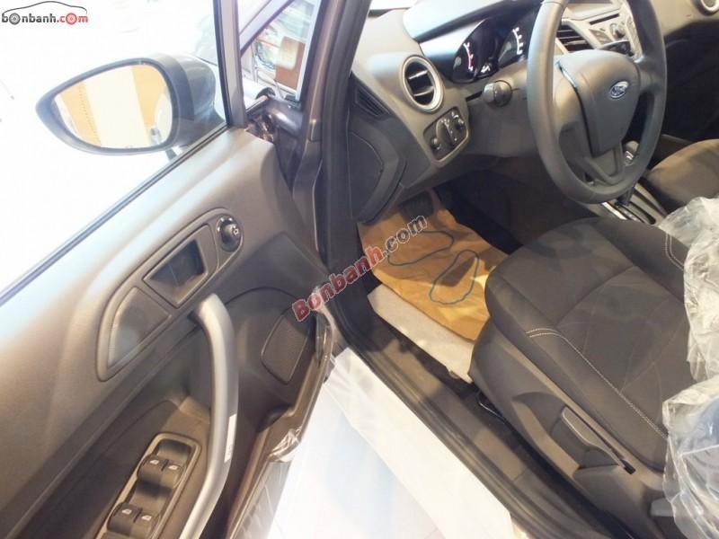 Cần bán Ford Fiesta 1.5L AT Trend đời 2015, màu xám