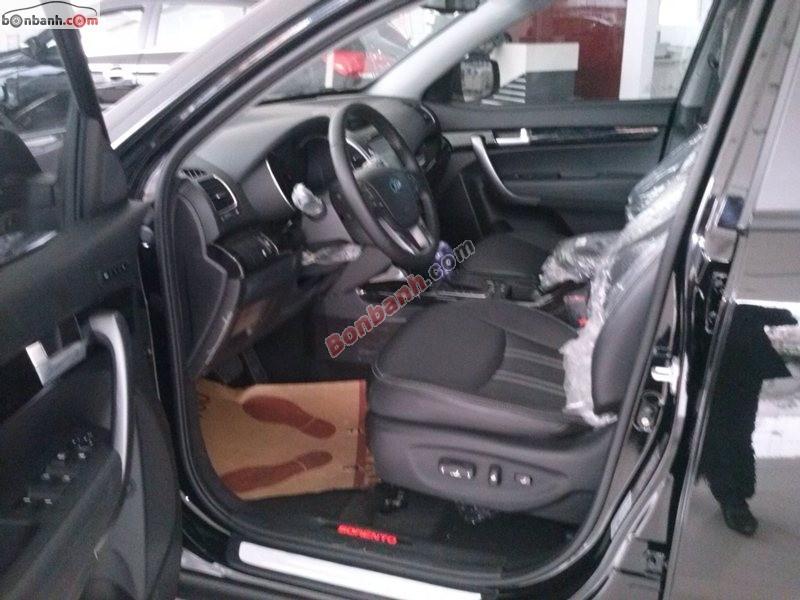 Cần bán Kia Sorento AT đời 2015, màu đen, Full options