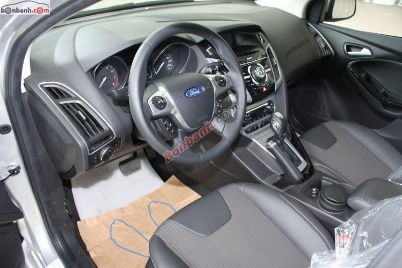 Bán xe Ford Focus 2.0 đời 2015, màu bạc, giá 769Tr