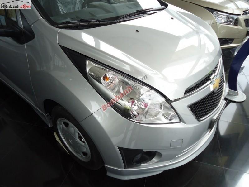 Bán Chevrolet Spark 1.0 LTZ đời 2015, màu bạc, 392 triệu