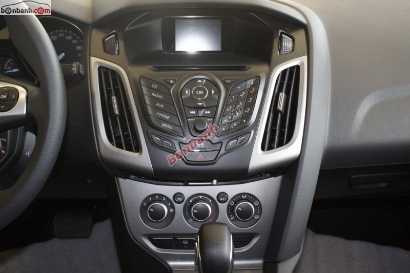 Bán ô tô Ford Focus 1.6 AT đời 2014, màu trắng tại Hà Nội Ford