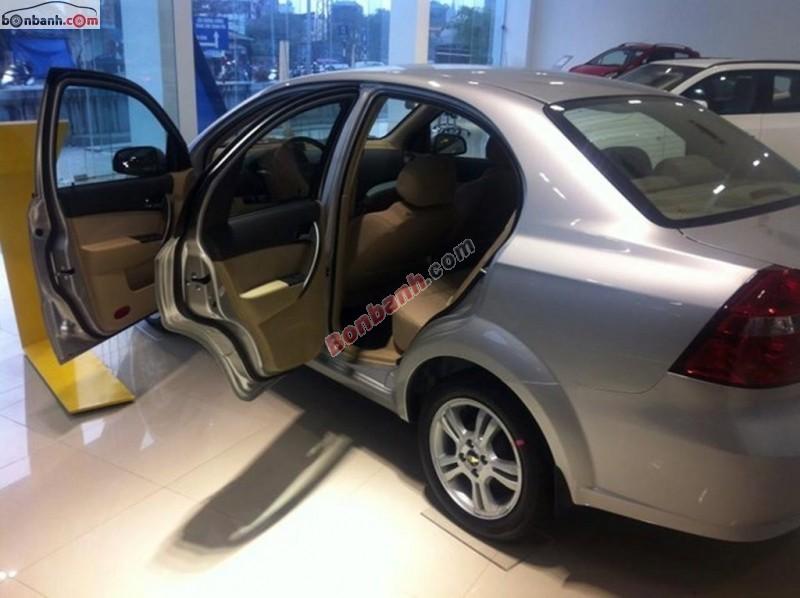 Bán xe Chevrolet Aveo LT đời 2015, màu bạc, giá chỉ 447 triệu