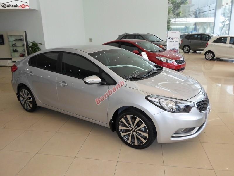 Cần bán Kia K3 1.6MT đời 2015, màu bạc, 590 triệu