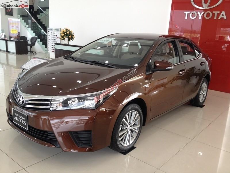 Cần bán Toyota Corolla altis 1.8CVT đời 2015, màu nâu