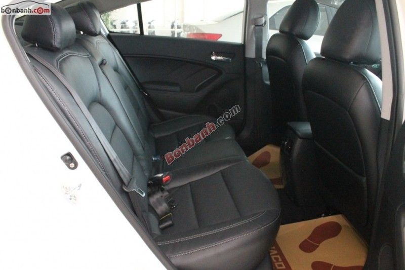 Bán ô tô Kia K3 1.6MT đời 2015, màu trắng, Full options