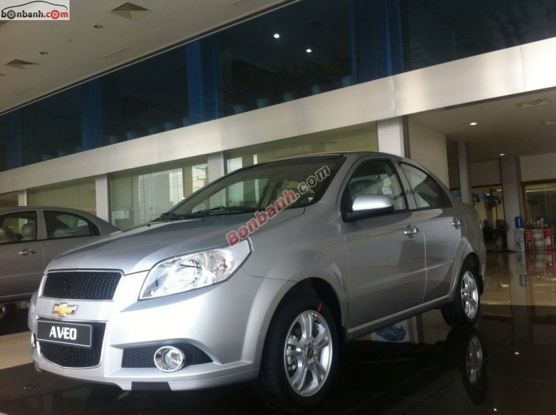 Cần bán xe Chevrolet Aveo LT sản xuất 2015, màu bạc, giá 447tr
