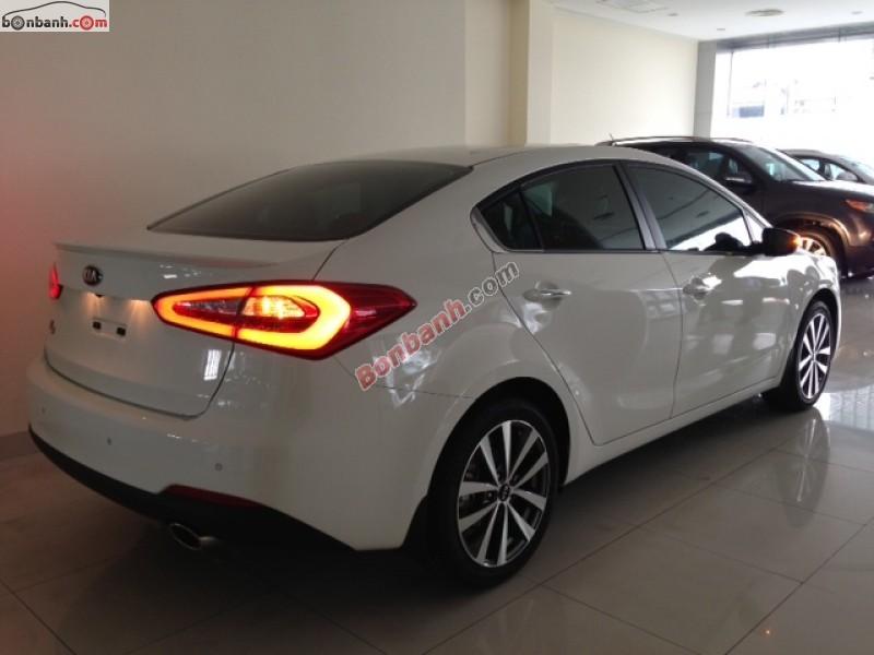 Bán ô tô Kia K3 MT đời 2015, màu trắng
