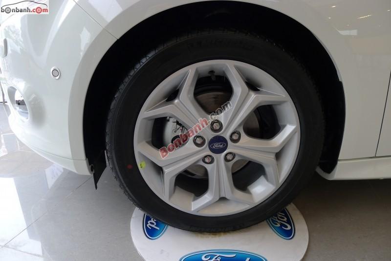 Cần bán Ford Focus S năm 2015, màu trắng