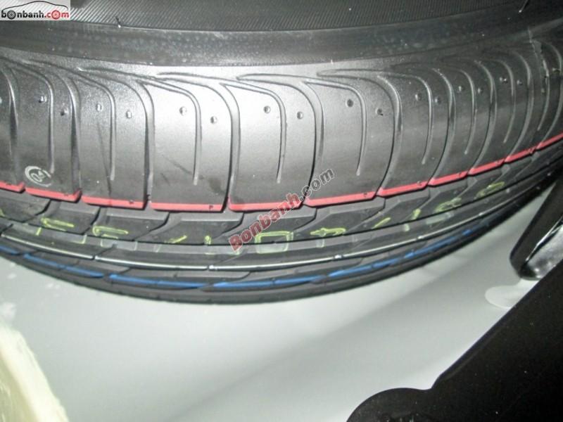 Sàn ô tô Hòa Bình bán ô tô Toyota Corolla Altis 1.8G đời 2013, chính chủ, 810tr