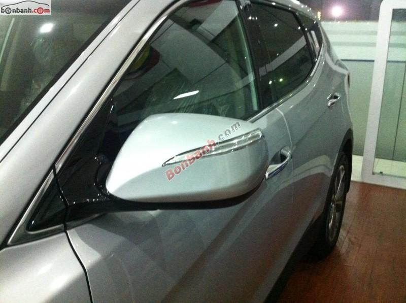 Bán ô tô Hyundai Santa Fe 2.4 4WD đời 2013, màu bạc, xe nhập