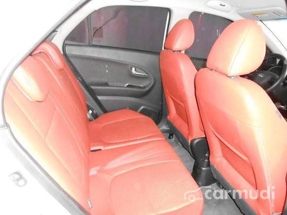 Xe Kia Morning AT sản xuất 2011, màu trắng, nhập khẩu đã đi 40000 km