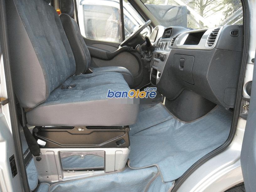 Cần bán Mercedes đời 2010, màu bạc, chính chủ