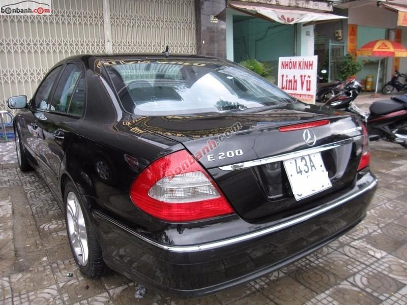 Xe Mercedes E200 Kompressor đời 2008, màu đen số tự động