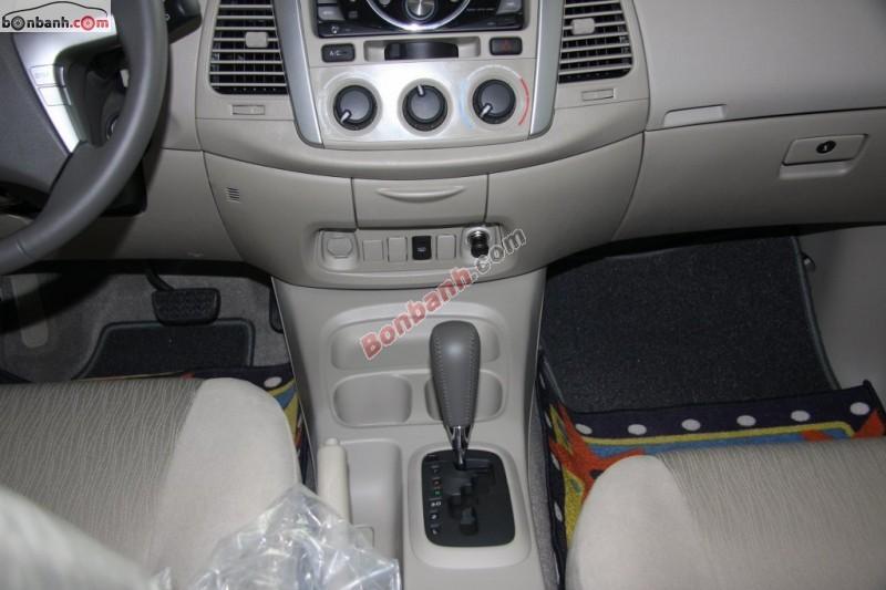Bán ô tô Toyota Innova 2.0 G năm 2015, màu bạc, mới 100%, số tự động 4 cấp