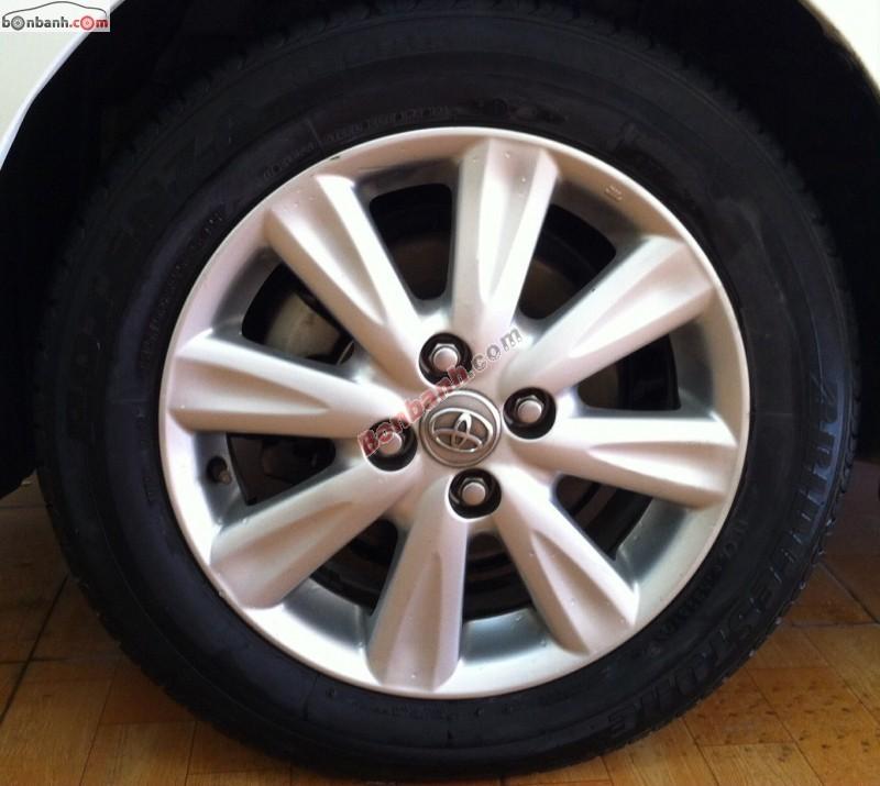Cần bán lại xe Toyota Yaris AT đời 2010, nhập khẩu nguyên chiếc chính chủ, giá chỉ 585 triệu