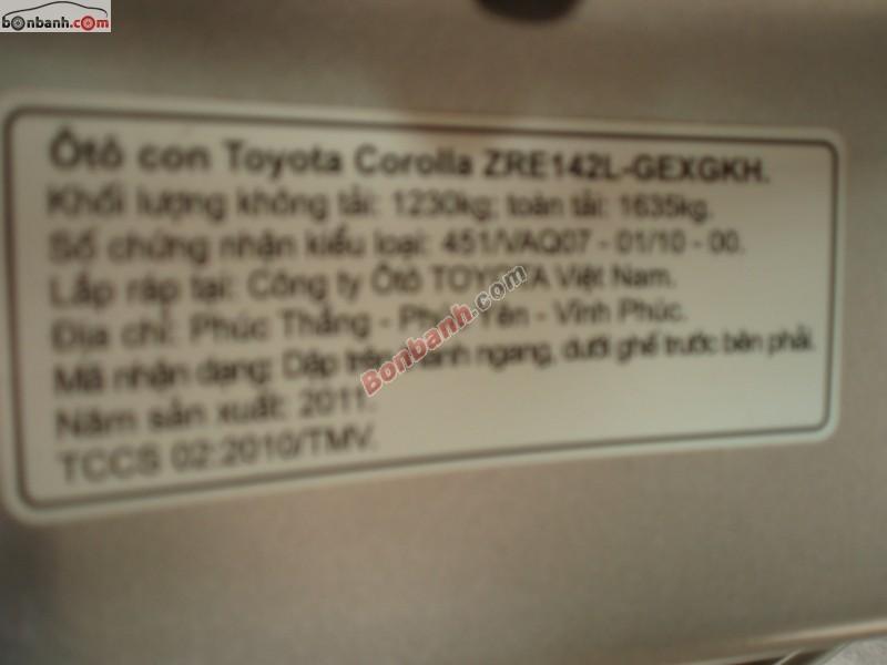 Cần bán gấp Toyota Corolla altis 1.8G đời 2011, màu bạc, giá chỉ 700 triệu