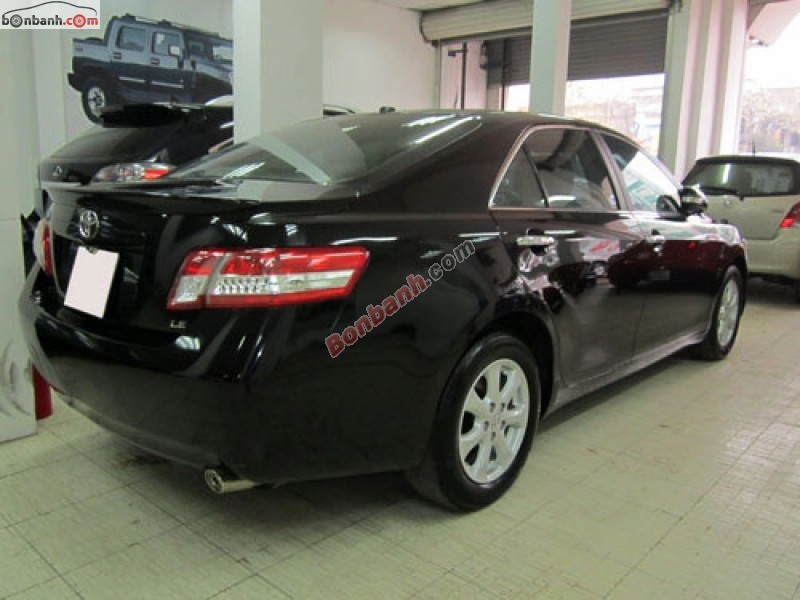 Cần bán gấp Toyota Camry LE đời 2011, màu đen, nhập khẩu chính hãng