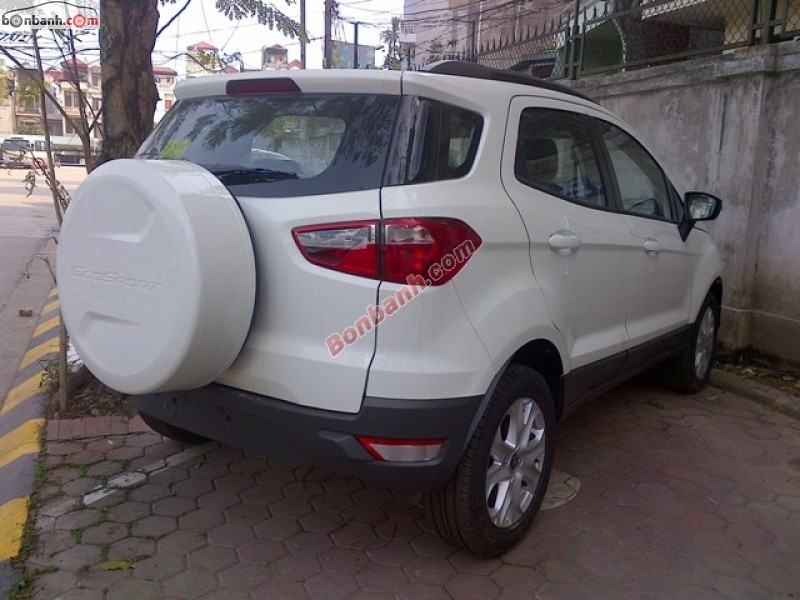 Mình cần bán Ford EcoSport Titanium AT đời 2015, màu trắng, giá tốt