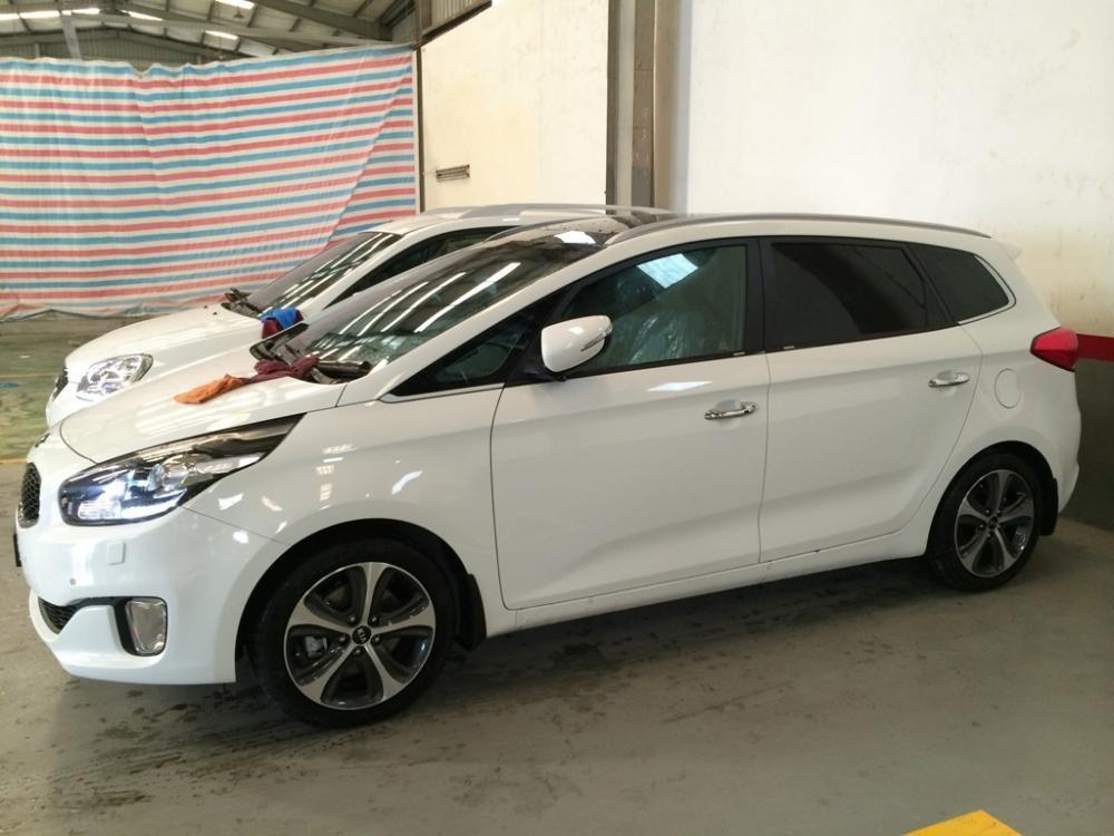 Bán xe Kia Rondo 2.0L đời 2015, màu trắng - LH ngay 0937640091