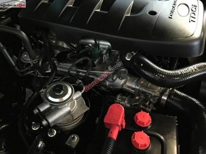 Cần bán lại xe Ford Everest 4x2 MT đời 2011, màu đen, xe còn rất đẹp