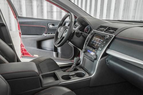 Bán xe Toyota Camry 2.5 Q sản xuất 2014, màu đen