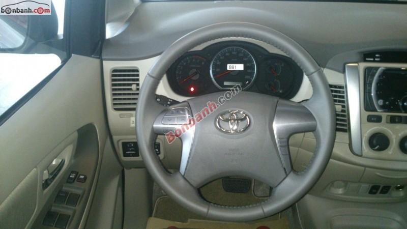 Bán xe Toyota Innova 2.0G năm 2015, màu bạc - Khuyến mãi & giảm giá lên tới 30 triệu