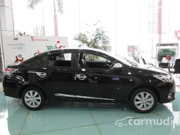 Cần bán xe Toyota Vios 1.3 MT đời 2015, màu đen, xe đang có sẵn, giao xe ngay