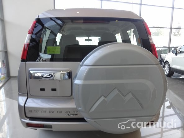 Ford Everest Limited 2.5L 4x2 AT 2015 cần bán