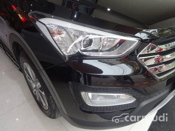 Công ty TNHH TM Thành Thơm bán xe Hyundai Santa Fe đời 2014, màu đen