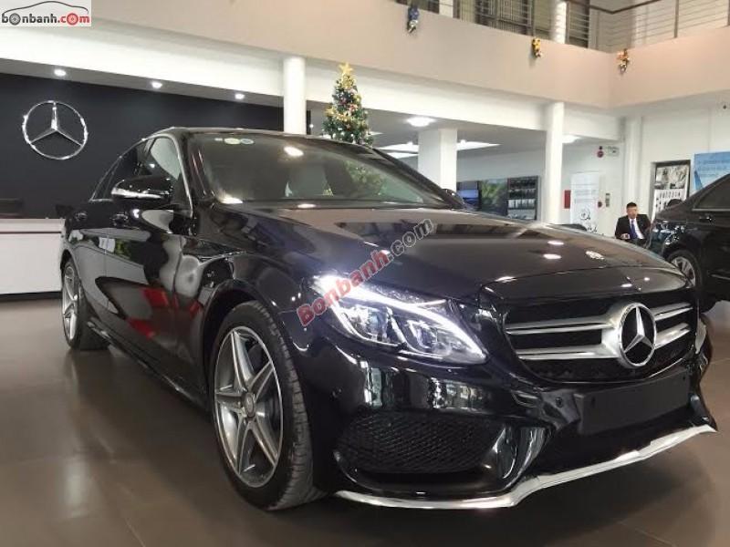 Cần bán gấp xe Mercedes C250 AMG đời 2015, màu đen như mới