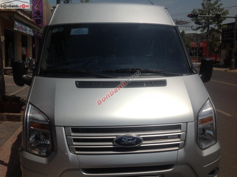 Cần bán gấp Ford Transit đời 2014, màu bạc như mới, giá 760Tr